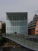 11 - Museo di Bolzano. Particolarmente importante dal punto di vista artistico - culturale è il Museion (dal greco il tempio delle muse), il celebre museo di arte moderna e contemporanea della città di Bolzano. Istituito nel 1985
