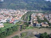 2 -Panorama- Bolzano è situata alla quota di 264 m nella parte orientale dell'ampia conca originata dalla congiunzione delle valli dell'Isarco, Sarentina e dell'Adige.