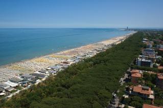18 - Pinarella di Cervia spiaggia dall'alto