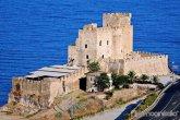 89 - Roseto Capo Spulico -castello sul mare