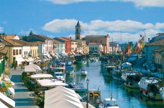 26 - Il centro storico di Cesenatico- porto-canale