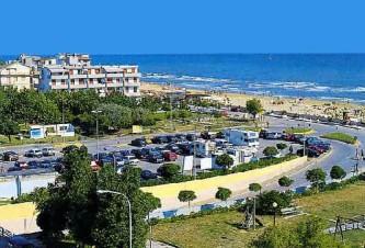 28 - Torrette di Fano, a solo 50 mt dalla spiaggia.