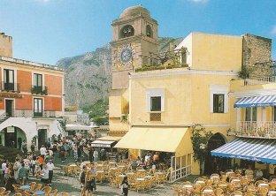 29 - Capri - La Piazzetta