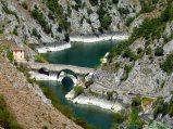 30- Le selvagge 'Gole del Sagittario', una delle aree naturalistiche più importanti d'Europa, rappresentano la porta di accesso settentrionale al Parco Nazionale d'Abruzzo, Lazio e Molise.