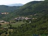 17 -Carapelle Calvisio (910 m. s.l.m., 95 abitanti circa), nel Parco Nazionale del Gran Sasso-Monti della Laga