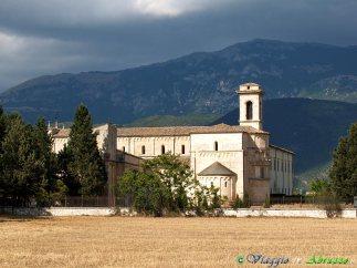 53 -Corfinio- la maestosa basilica medievale di S. Pelino (XI-XII sec.).