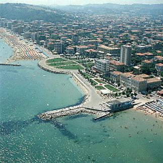14 - Pesaro - spiaggia- panorama