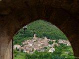3 -Tione degli Abruzzi (581 m. s.l.m., circa 140 abitanti), nel Parco Regionale Sirente-Velino