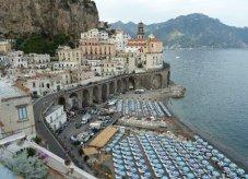 85 - Atrani - Salerno-Veduta sul centro storico sulla spiaggia