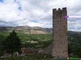 60- Tione -La torre medievale degli Abruzzi, nel Parco Regionale Sirente-Velino.