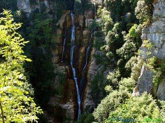 12- Le spettacolari cascate del Verde (o del Rio Verde) compiono un salto complessivo di circa 200 m. e sono considerate le cascate naturali più alte d'Italia e tra le maggiori del continente europeo.