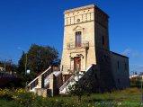 14- Orsogna la torre tratturale Di Bene (XVII sec.), situata lungo l'antico tratturo Centurelle-Foggia.