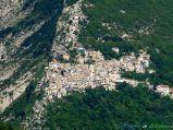 2 -Pennapiedimonte (669 m. s.l.m., 355 abitanti circa), nel Parco Nazionale della Majella
