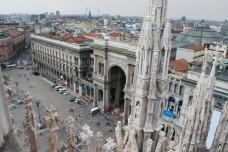 30 -Milano - Il Duomo e la piazza con la Galleria Vittorio Emanuele II