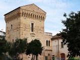 30 -Martinsicuro-La Torre di Carlo V, nella località balneare . Il torrione di avvistamento costiero fu realizzato nel XVI secolo come elemento di difesa dagli attacchi dei Turchi.