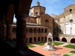 36 -Atiri- città d'arte il duecentesco chiostro della Basilica-Concattedrale S. Maria Assunta, straordinario esempio di architettura monastica medievale.