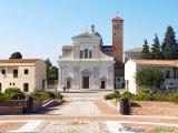 4 - Casalbordino il Santuario della Madonna dei Miracoli, il Santuario mariano più importante d'Abruzzo.