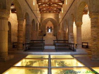 42 - Vomano di Notaresco- abbazia di S. Clemente a (IX-XII sec.), in località Guardia L'interno mostra i resti dell'edificio preesistente e conserva il pregevole ciborio del XII sec