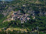 5 - Umbricchio (716 m. slm.), suggestiva frazione di Crognaleto, nel Parco Nazionale del Gran Sasso