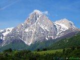 50- Il Corno Grande (2.912 m.), la vetta più alta appenninica, l territorio di Isola del Gran Sasso. Nelle viscere della montagna scorre il Traforo del Gran Sasso, una delle gallerie più lunghe d'Europa-