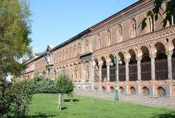 73 -Milano. Facciata Ca' Granda, sede dell'Università degli Studi di Milano