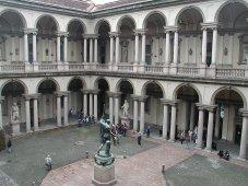 47 -Milano. Cortile della Pinacoteca di Brera