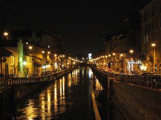 89 -Milano. Il Naviglio Grande di notte
