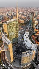 11 -Milano. Piazza Cordusio. La torre Pelli di Unicredit