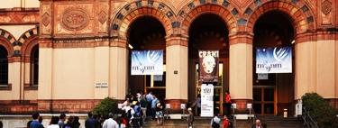 79 -Milano. La scalinata d'ingresso del museo civico.