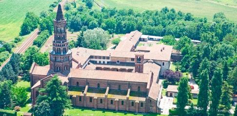104 -Milano -L'abbazia di Chiaravalle è un complesso monastico cistercense situato nel Parco Agricolo Sud nel comune di Milano, tra il quartiere Vigentino e il quartiere Rogoredo.