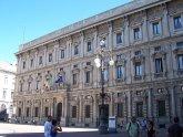 42 -Milano. Piazza della Scala. Palazzo Marino, opera dell'architetto perugino Galeazzo Alessi, è un palazzo nobiliare di Milano, sede dell'amministrazione comunale dal 19 settembre 1861.