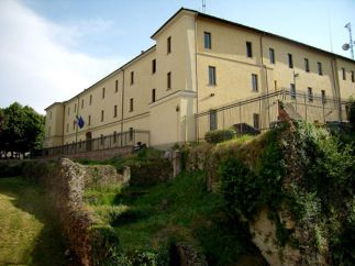 16 - Lodi- Il Castello Visconteo è una costruzione medievale che fungeva da fortezza difensiva-