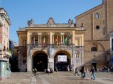 18- Lodi- - Palazzo Broletto – noto semplicemente come Broletto – è un complesso architettonico di Lodi, sede dell'amministrazione comunale della città.