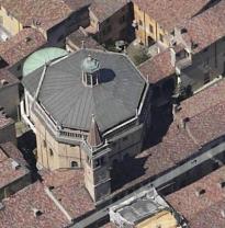 5 - Tempio civico dell'Incoronata- Configurazione strutturale: L'edificio è a pianta ottagonale, con sette cappelle a pianta trapezoidale e una cappella maggiore cruciforme, tutte sormontate da un matroneo. Le pareti sono in laterizio; la copertura è costituita da una cupola ottagonale, il cui estradosso è nascosto da un tetto in piombo. Alla facciata è addossato un portico ottocentesco a tre arcate, sormontato da una loggia a sei arcate e affiancato a sinistra da un campanile a cinque piani. Epoca di costruzione: 1488 - 1489