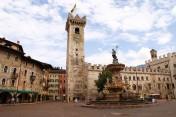 2- Trento-Piazza_Duomo-definita-una-delle-più-belle-piazze-urbane-del-mondo.