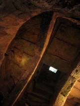 23- Perugia. Piazza Piccinino a nasconde un vero gioiello dell'Architettura Etrusca, un Pozzo del IV-III secolo