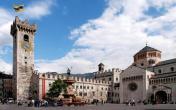 3-Trento-Piazza-Duomo-palazzo-Pretorio