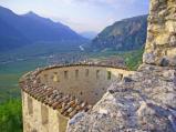 33 - Castel Beseno Panorama verso Trento dalla piazza grande. Valuta