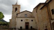 11 - L'abbazia di Santa Croce in Sassovivo è un complesso benedettino che sorge a circa 6 km da Foligno, ad un'altitudine di 565 m s.l.m. alle pendici del monte Serrone