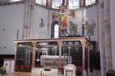 19 - Interno S. Chiara Altare