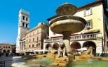26 - Assisi - Piazza del Comune, fontana