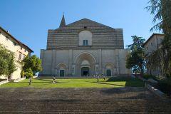 27 - Chiesa di San Fortunato (Todi)- tempio di San Fortunato a Todi - Semplicemente bellissimo. La chiesa Tempio di San Fortunato è sita nella zona della acropoli di Todi vicino alla Rocca.