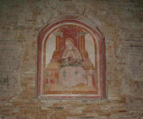 25 - Interno della chiesa di San Salvatore.-