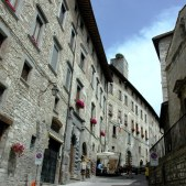 29 -Gubbio, splendore medioevale