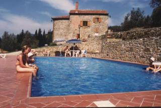 32 - Una terra ricca di storia e memorie ospita l'Azienda agrituristica San Savino. Dagli avi etruschi al Rinascimento, dal Medioevo alla felice epoca granducale-