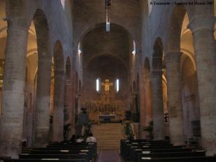 38-spoleto-interno-della-chiesa-di-san-gregorio