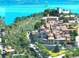 """4 - Castiglione del Lago è il più pittoresco paese del Lago. Il nome deriva dalla fortezza medievale eretta verso la metà del Duecento e chiamata """"Castello"""