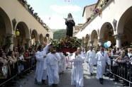 5 - Cascia,il 22 Maggio Festa di Santa Rita da Cascia, corteo-santa-rita-trasporto