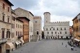 5 - Piazza del Popolo di Todi è tra le più belle piazze medievali d'Italia, con alcuni monumenti importanti come Palazzo dei Priori