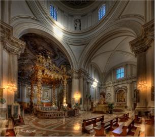 6 - Foligno Duomo San Feliciano- Interni di Cleto Azzarelli